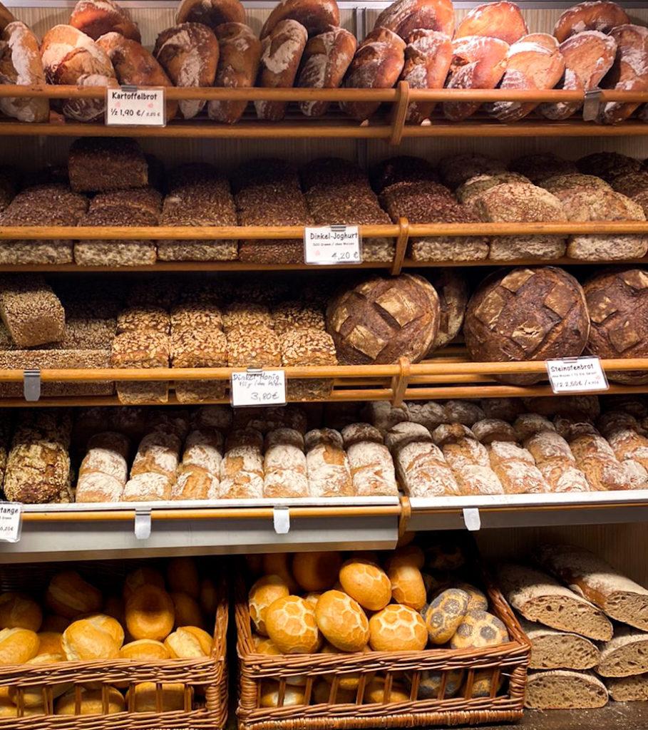 Frisches Brot aus dem alten Land